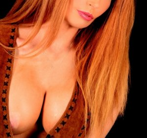 Myrna live escorts in Gillingham