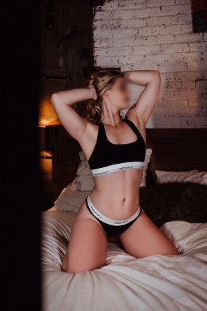 Isnelle thick escorts Gladstone, OR